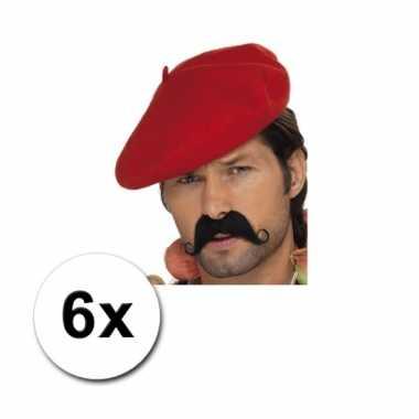 Franse baretten rood
