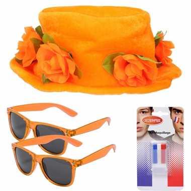 Oranje supporters verkleed set personen